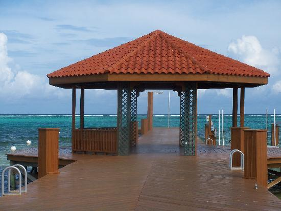 Grand Caribe Belize Resort and Condominiums : Private Resort Dock