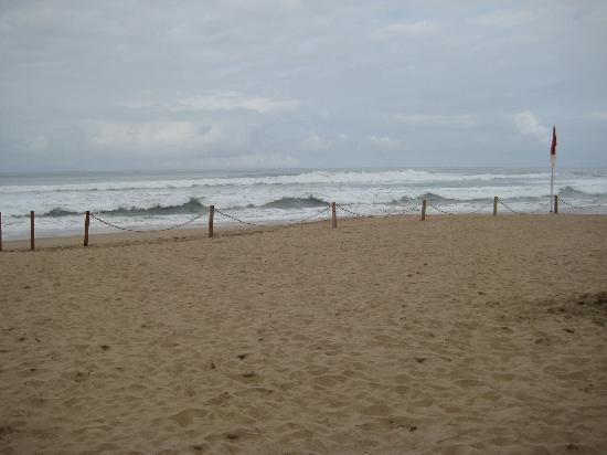 Waves at Riu