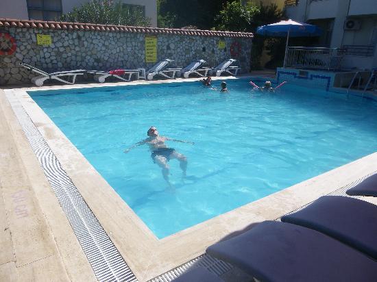 Zeybek Hotel : swimming pool, always perfectly clean