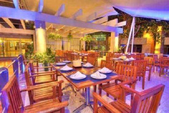 Hotel Las Trojes: Verandah Restaurant