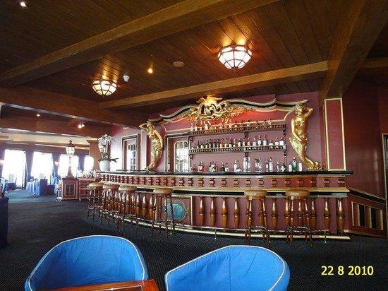 the bar of the grill restaurant picture of grill room hotel de paris monaco monte carlo. Black Bedroom Furniture Sets. Home Design Ideas