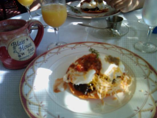 Blair House Inn: Migas w/ Poached Eggs, oj, and coffee