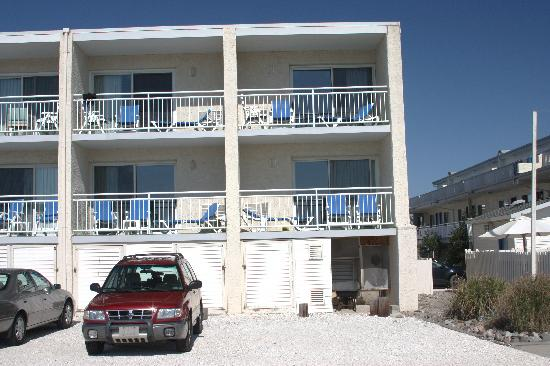 Engleside Inn: Beach front balconies. Ours was 2nd floor, 2nd in.