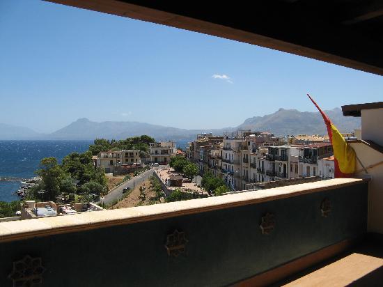 Donna Sabella: vista dal terrazzo 1