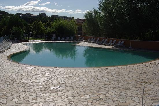 Résidence Odalys La Licorne de Haute-Provence : piscine principale