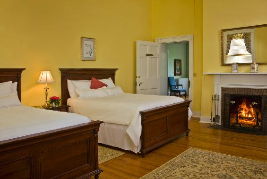The Marriott Ranch Bed and Breakfast : Newton Room