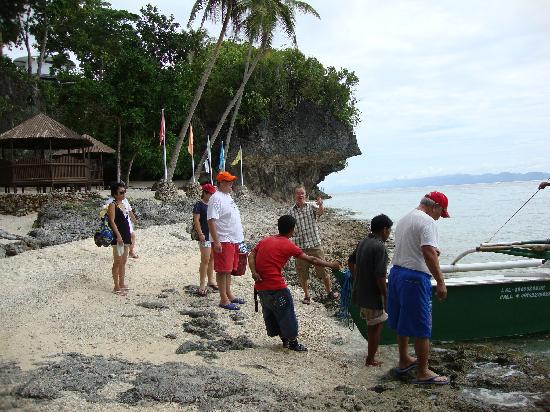 Padre Burgos Castle Resort : Off for an island tour of Limasawa.
