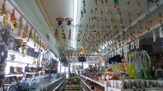 Nuevo Progreso, Mexico: shops