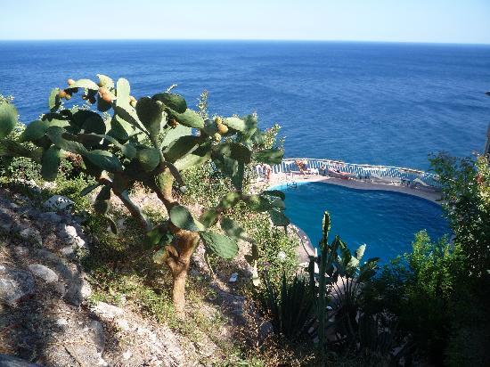 Crystal Sea: Piscine de l'hôtel vue d'en-haut