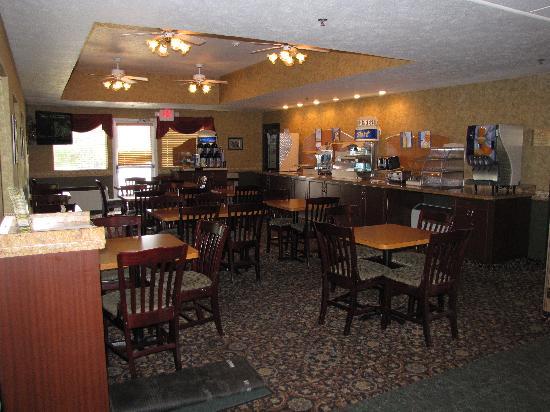 Holiday Inn Express Wenatchee: Breakfast area