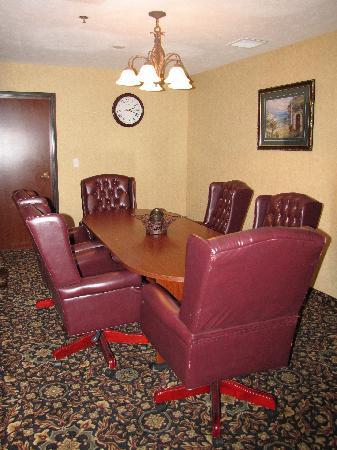 Holiday Inn Express Wenatchee: Board Room