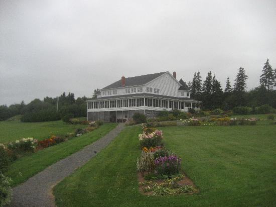 The Inn at St. Peters : The Lodge with the bar and dining room