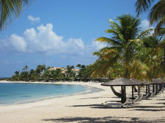 Jumby Bay, A Rosewood Resort: The beautiful beach.