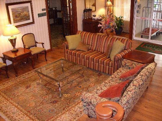 Country Inn & Suites By Carlson, Lake George (Queensbury): lobby