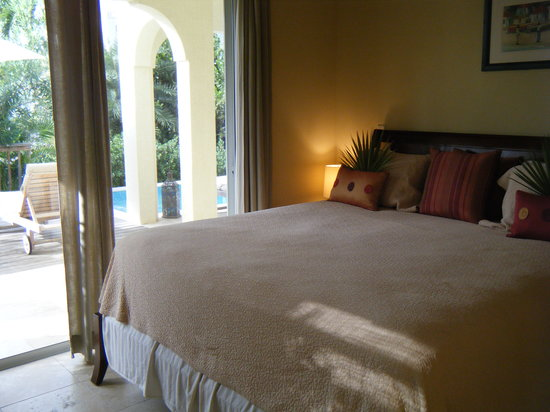 Meads Bay Beach Villas: The bedroom