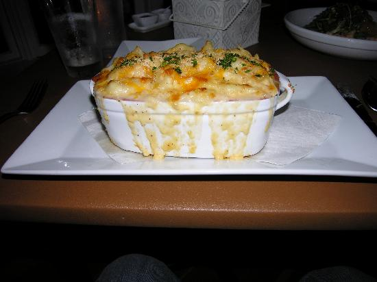 Katie's on Shore Road : Lobster mac and cheese (to die for!)
