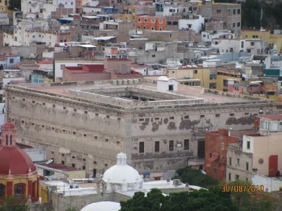 Monumento al Pipila: alhondia de granaditas