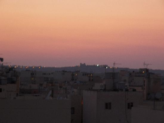 ‪سان فلاور: View from Balcony at dusk.‬