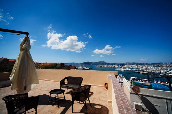 Stunning La Terrazza Sul Porto Ponza Photos - Design Trends 2017 ...