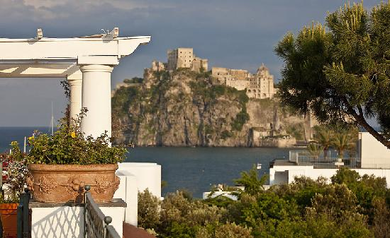 Grand Hotel Excelsior: Aragonese Castle view