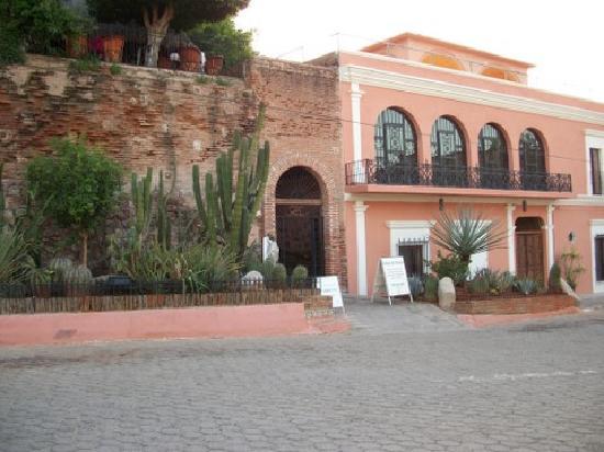 El Fuerte, Mexico: Front Entry to Hotel