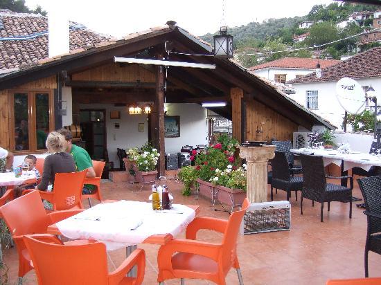terrazza sul tetto - Picture of Hotel Mangalemi, Berat - TripAdvisor