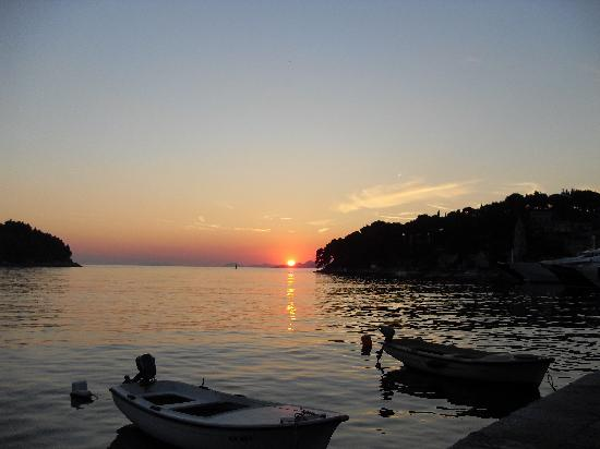 Villa Andro apartments: Sunset from the harvour in Cavtat