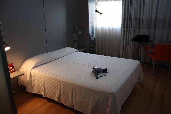 B&B Hotel Granada: stanza