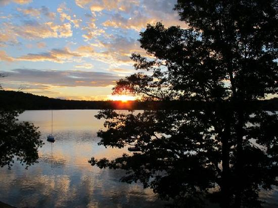 Church Landing at Mill Falls: sunrise over the lake