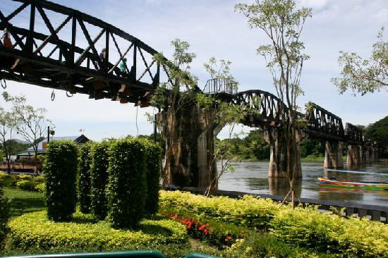 Regent Chalet Regent Beach Cha-Am: Bridge on the River Kwai