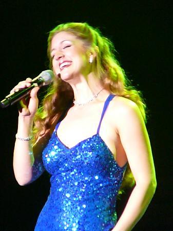 Cassandre & Friends: Cassandre' has a pretty voice