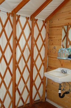 Yosemite Lakes RV Resort: the bathroom sink