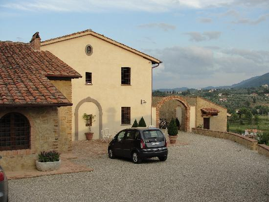 Il Podere di Toscana: Entrance to villa