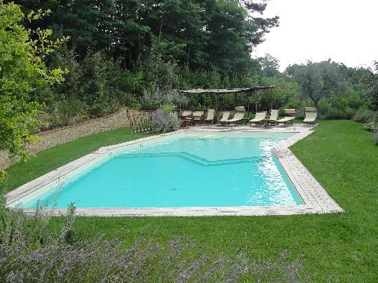 Il podere di toscana toscane italie voir les tarifs for Cantagrillo piscine