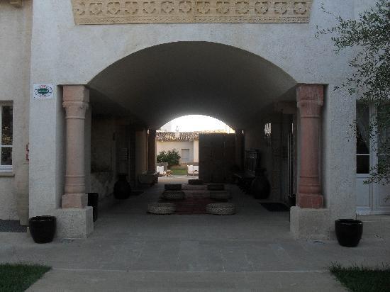 Tartheshotel : Entrance to the hotel