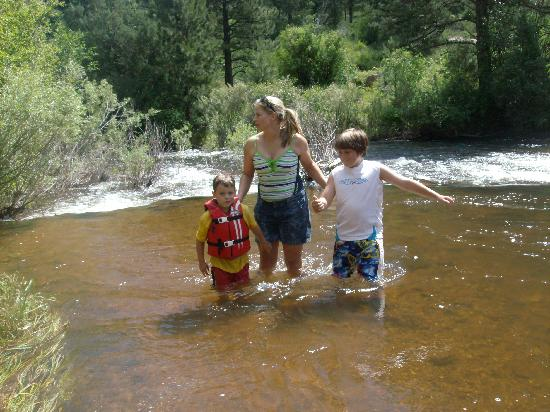 Stone Mountain Lodge & Cabins: us in the St. Vrain River