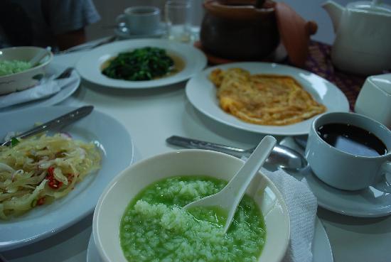 Ayutthaya Garden River Home : タイ風breakfastを選んだ