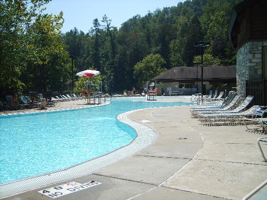 Natural Bridge State Resort Park: Lodge Pool