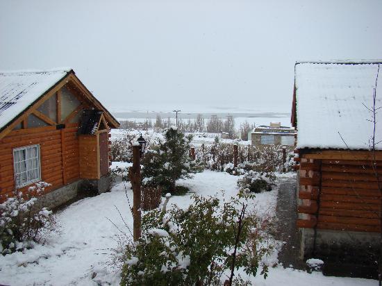 Solares Del Sur : Las cabañas con nieve..