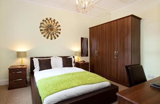 Ashmira Guest House: All of the bedrooms have been re-fitted with high quality furnishings and Linen