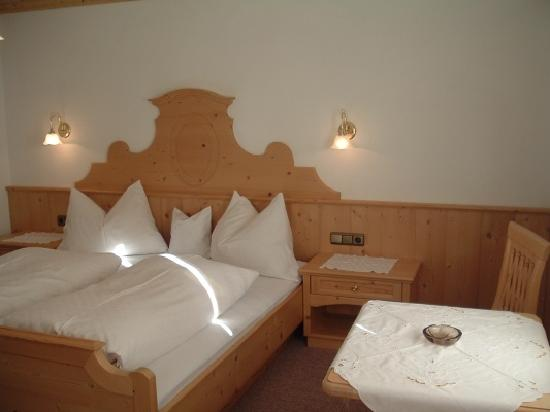 Rooms at the Bergwald in Alpbach, well furnished, cosy and clean