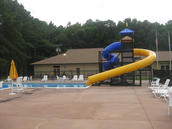 Virginia Beach KOA: Swimming Pool