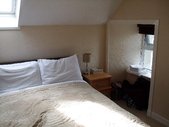 The Shore: Bedroom