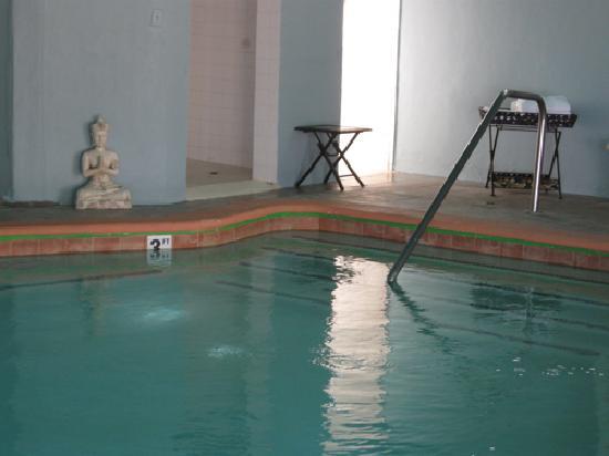 Desert Hot Springs, CA: Hot tub kept at 103 degrees