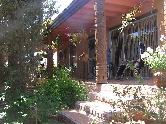 Mi Gatita Bed & Breakfast: San Blas porch