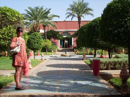 Kenzi Club Oasis : path to reception