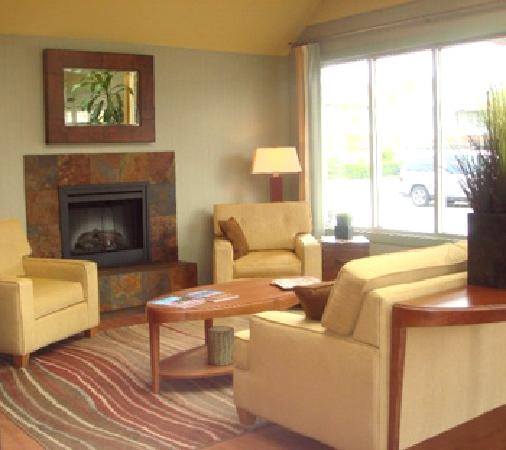 Best Western Plus Emerald Isle Hotel: New Expanded Lobby