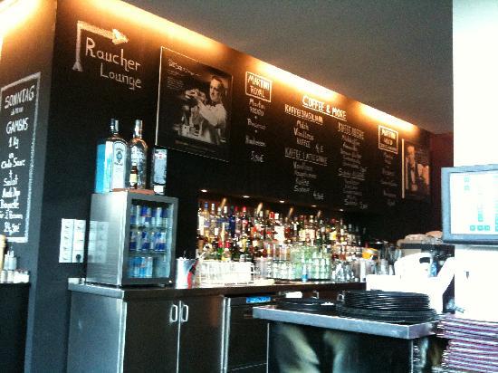 Allegre: Die Bar