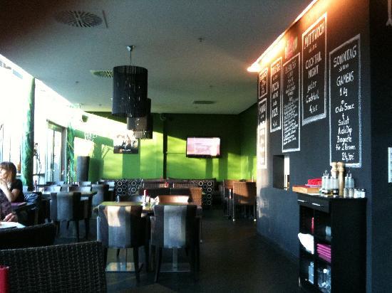 Allegre: Blick in den Restaurantbereich