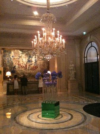 George v photo de four seasons hotel george v paris - Hotel georges v paris prix chambre ...